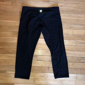 Women's Lululemon athletic Capri pants